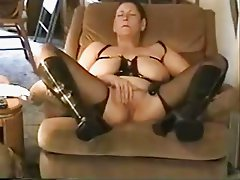 My old bitch masturbates for you