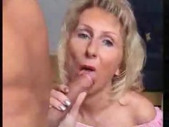 Mature woman loves blowjob