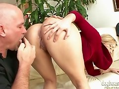 Palatable short haired blonde chick is ready for a fuck in front of cuckold BF