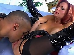 Robert Axel fucks with nice mom Veronica Avluv