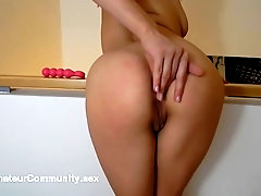 Solo eurobabe toying her tight pussy