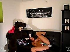 Bitchie bootylicious slut enjoys her wild masturbation show on the sofa