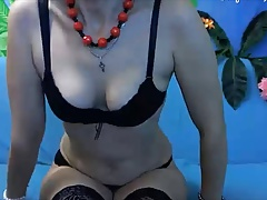 Hot Russian mature show her sexy body