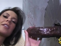 Gloryhole perfect for hardcore pussy waxing and cock sucking