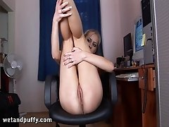 Blonde in camel toe outfit masturbates nicely rubbing pussy in solo scene