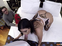 Amateur home POV porn with a gorgeous married woman