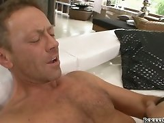 Cock lover brunette gets her ass hole stretched by horny dude Rocco