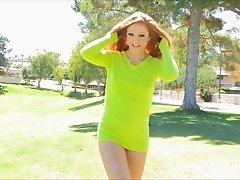 Talented solo girl gets naked outdoors and does carwheels