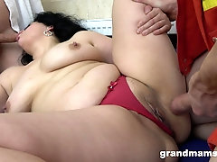 chubby brunette likes to suck two strong shafts at the same time