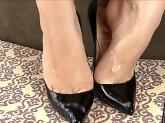high heels cumshot latex gloves