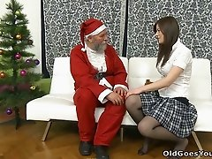 Old Santa Claus eats tasty wet pussy of teeny chick Svetlana