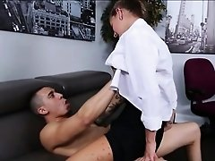 Office babe Dakota Vixin gets her pussy fucked on sofa