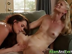 Eating out lesbos climax