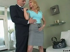 Super hot blond milf gives yum-yum blowjob to bald headed dude