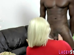 Grannys pussy gets banana