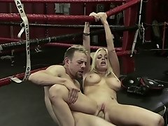 Blond bitch Jesse Jane gets her cunt fucked as hard as never